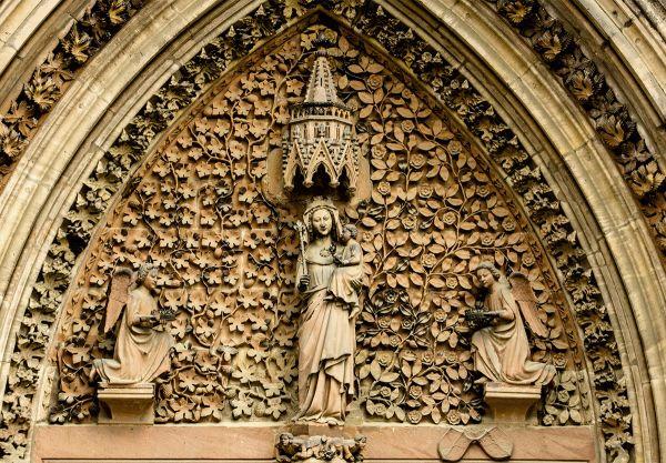 Postkarte: Maria im Tympanon